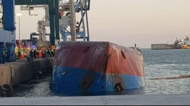 Кастельон, порт, судно, перевернулось,