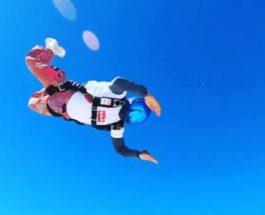 Льюис Хэмилтон, прыжок, парашют,