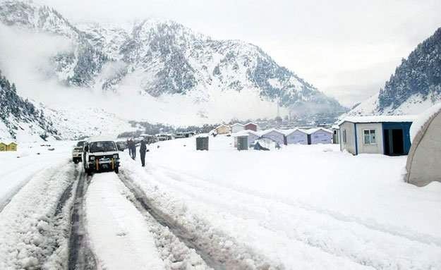 Пакистан, снег, май,