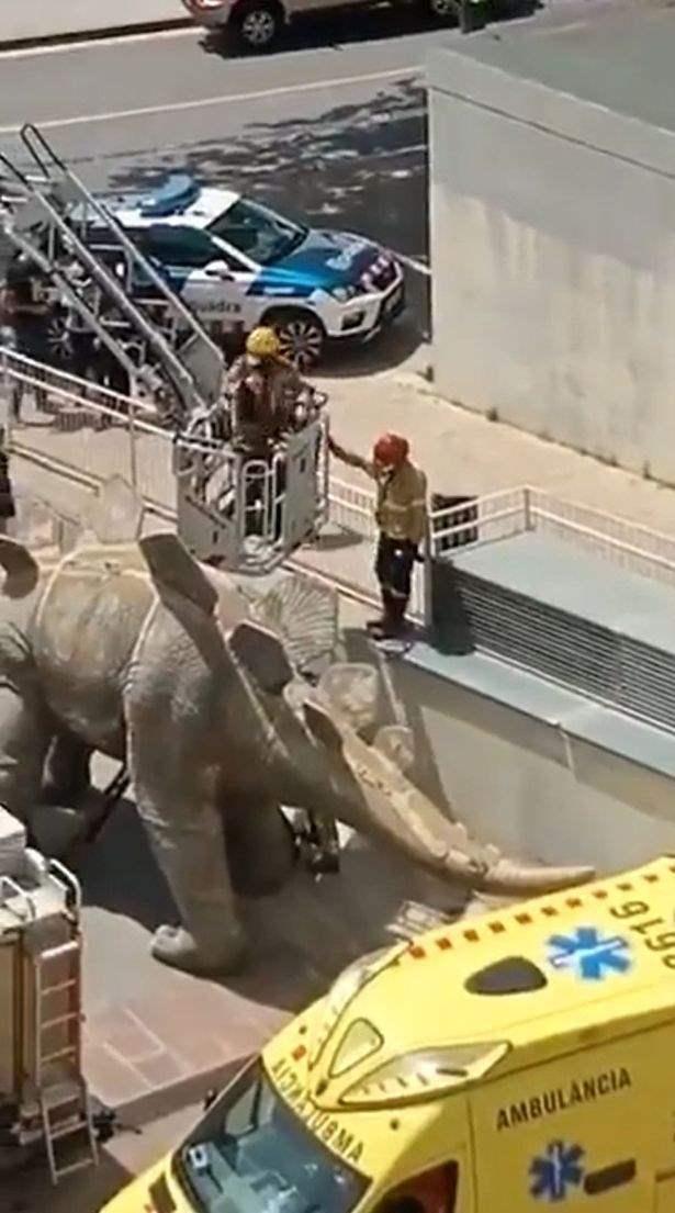 динозавр, статуя,