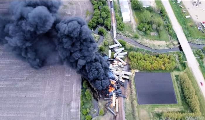 эвакуация, США, поезд, авария,