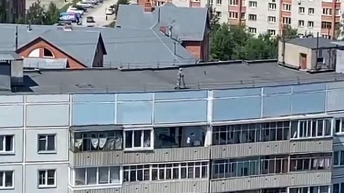 Краснообск, электросамокат, крыша,