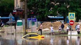 Москва, потоп, дождь, наводнение, ураган,