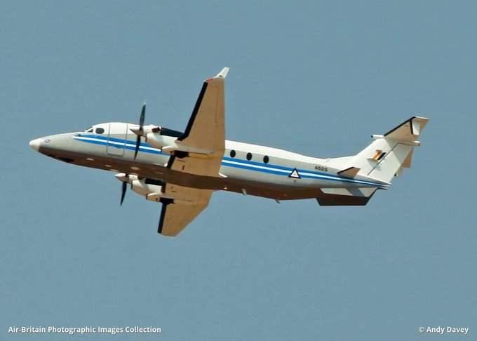 Мьянма, военный самолет,