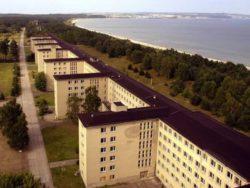 На Балтийском море есть нацистский центр отдыха. Его длина составляет 4,5 км, и он устрашает.
