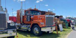 В США прошла выставка классических грузовиков (ВИДЕО)