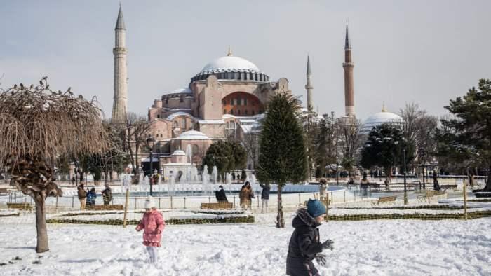 Турция, снег, июнь,