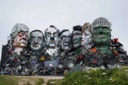 Создан аналог горы Рашмор — скульптура лидеров G7 из электронного мусора