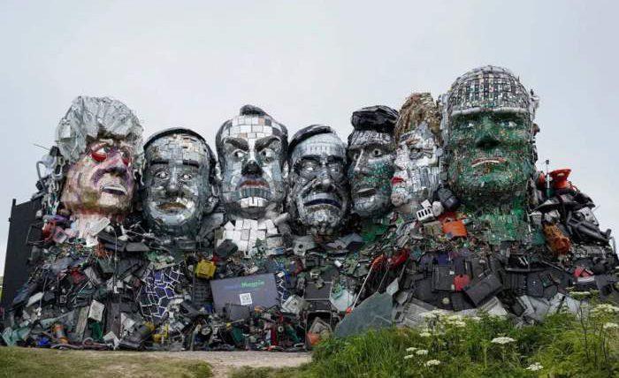 скульптура, G7, Mount Recyclemore,