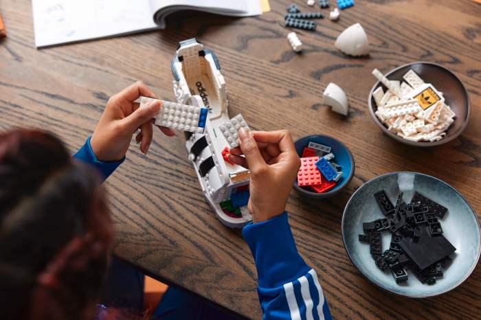 LEGO, Adidas Superstar,