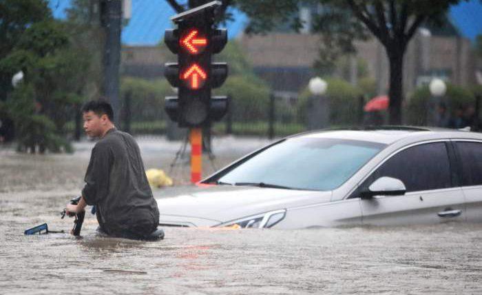 Китай, наводнения, дамба,