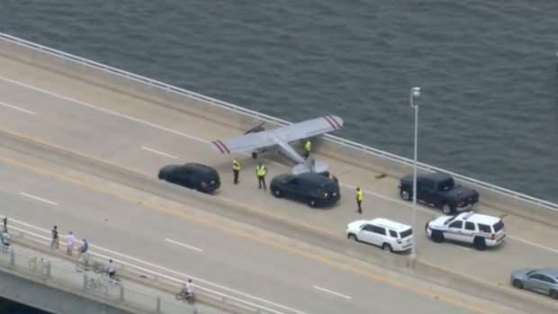 Нью-Джерси, мост, аварийная посадка, самолет,