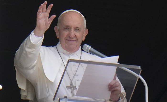 Папа Франциск, операция, толстая кишка,