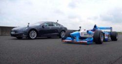 Дрэг-рейсинг: болид Формулы-1 против Tesla Model S (ВИДЕО)