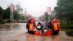 Китай: не менее 33 человек погибли после наводнения, 8 пропали без вести