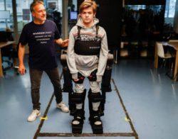 Француз создал роботизированный экзоскелет для сына-инвалида