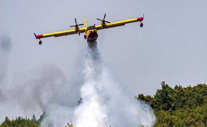Греция, лесные пожары, пожарный самолет,
