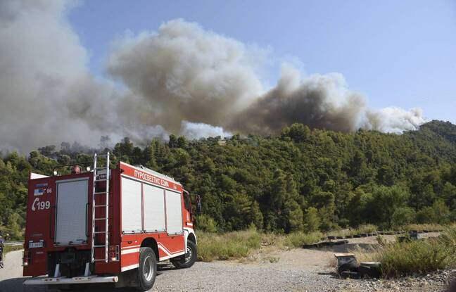 Греция, лесные пожары, эвакуация, деревни,