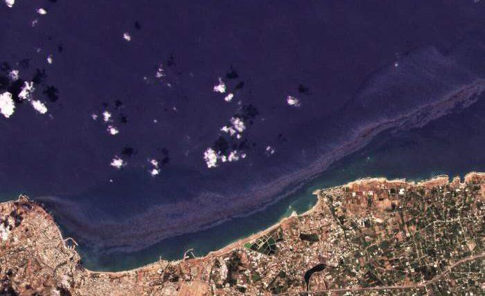 Кипр, нефтяное пятно,