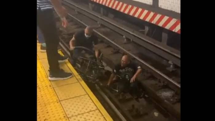 Нью-Йорк, поезд, метро, инвалид, рельсы,