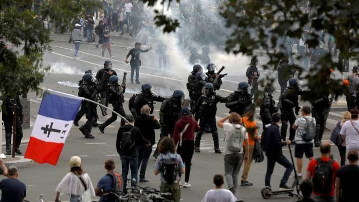 Франция, протесты, covid,