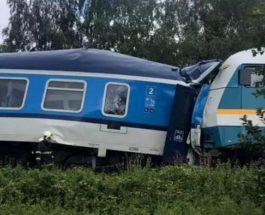 Чехия, поезда, столкновение поездов,