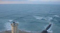 Почему вам следует держаться подальше от воды, если вы видите квадратные волны