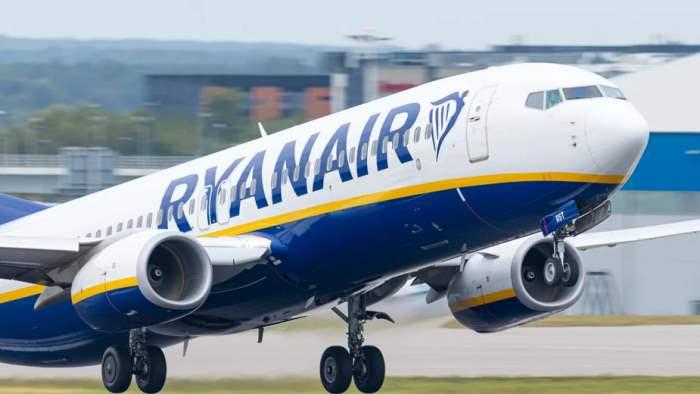 пилот, Гданьск, улетел, 30 пассажиров,