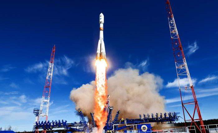 OneWeb, Роскосмос, спутники,