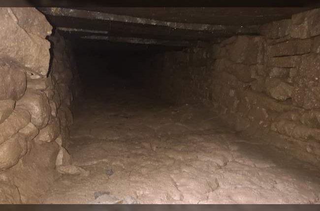 Аббатство, туннель,