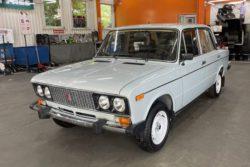 Капсула времени: ВАЗ-2106 простоял в гараже 25 лет