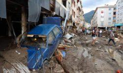 Проливные дожди снова стали причиной наводнения и оползня в Турции