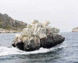 лодка, камень,