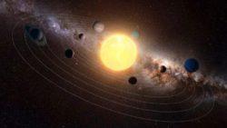Планеты нашей солнечной системы вращаются в одной плоскости, но почему?
