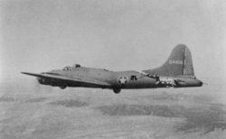 Одно из самых известных спасений Второй мировой войны — американский бомбардировщик «B-17» сел почти без хвоста