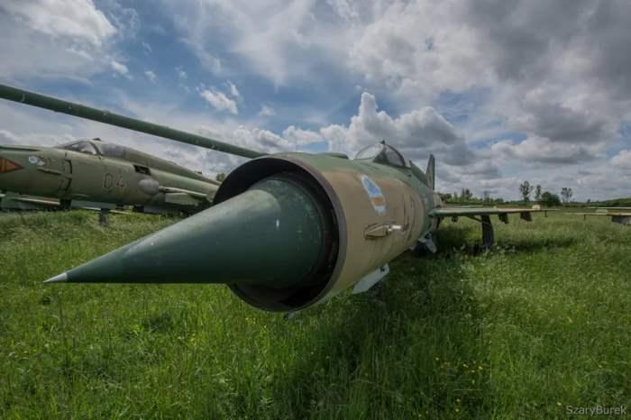 Венгрия, кладбище самолетов, МиГ-21, Су-22,