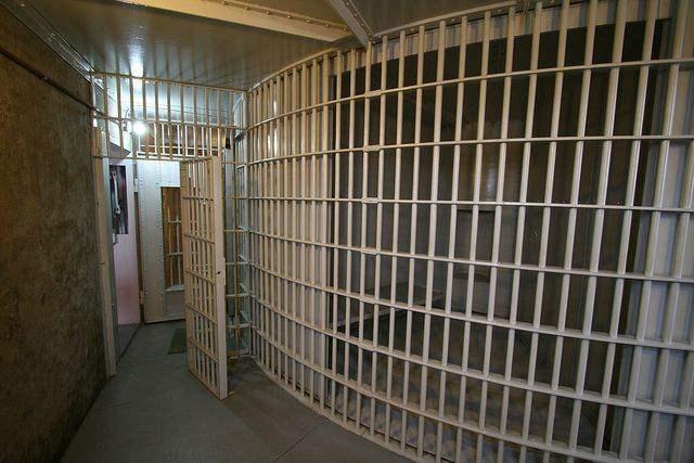 Ротационные тюрьмы, вращающиеся тюрьмы,