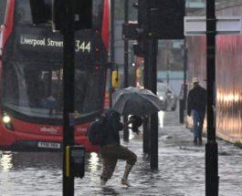 Транспортный хаос, Лондон, Великобритания, наводнение,