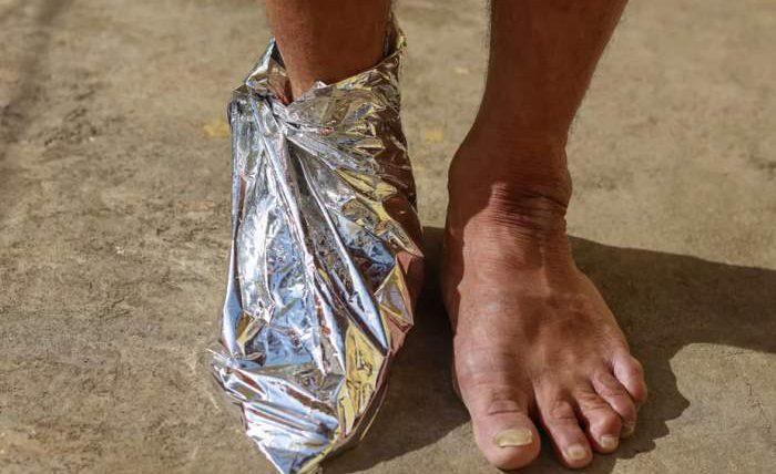 ноги, фольга, алюминиевая фольга,